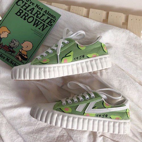 'Avocado vibe' canvas shoes