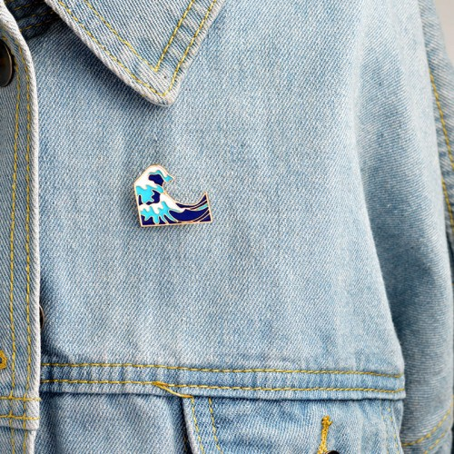 'Great wave off Kanagawa' pin