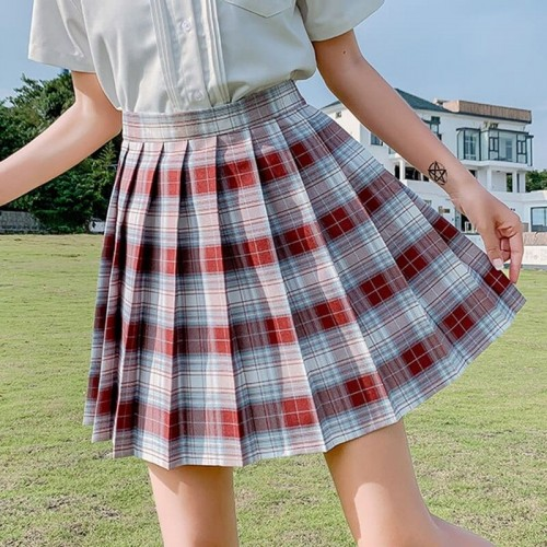 'Korean grid' skirt